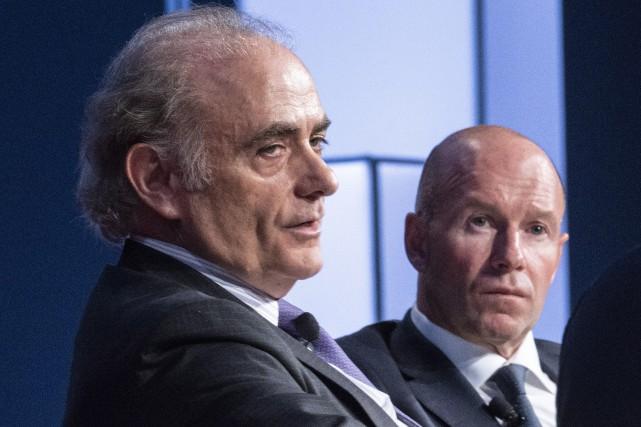 Calin Rovinescu (à gauche) s'est exprimé de la... (Photo Paul Chiasson, La Presse canadienne)