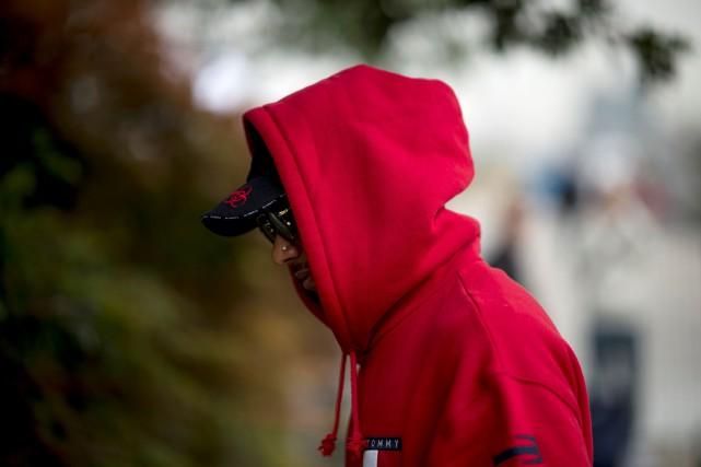 Lewis Hamilton sous-performe depuis le début de la... (photo AFP)