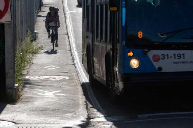«Plus il y aura d'aménagements cyclables, moins il... (Photo Patrick Sanfaçon, Archives La Presse)