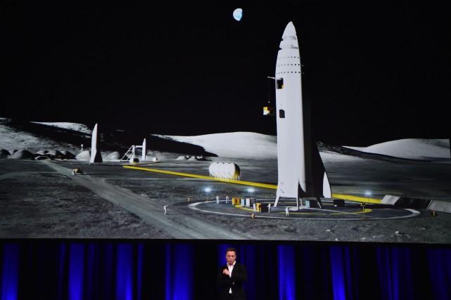 Le fondateur de SpaceX Elon Musk, devant une... (photo AFP)