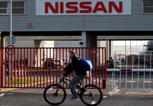 Face à la chute des ventes de véhicules... (photo AFP)