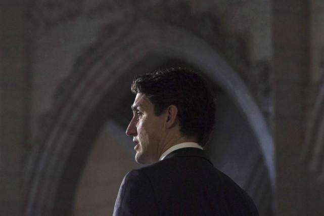 «On retrouve derrière l'oléoduc controversé de l'Ouest... une... (PHOTO ADRIAN WYLD, ARCHIVES LA PRESSE CANADIENNE)