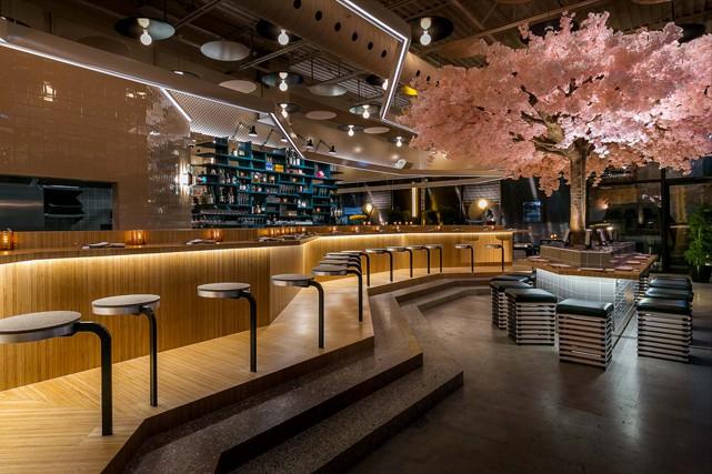 On lui doit le décor et l'ambiance de plusieurs bars et restaurants branchés de... (Photo : Christian Brault)