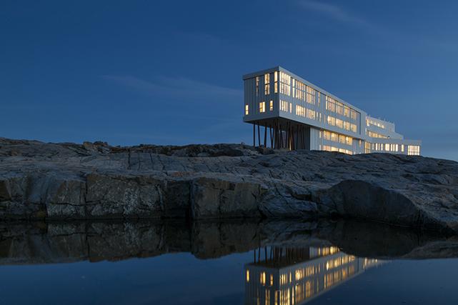 Quand le luxe et l'économie sociale se rencontrent sur une petite île au large... (Photo : Fogo Island Inn)