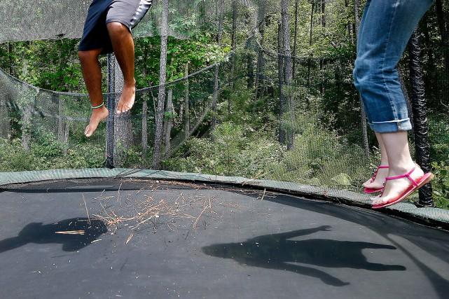 L 39 office de la langue fran aise permet de sauter sur une trampoline pierre saint arnaud - Office de la langue francaise ...