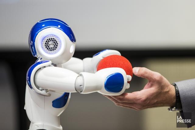 le petit robot qui aide les enseignants dans des classes du qu bec st phanie marin ducation. Black Bedroom Furniture Sets. Home Design Ideas