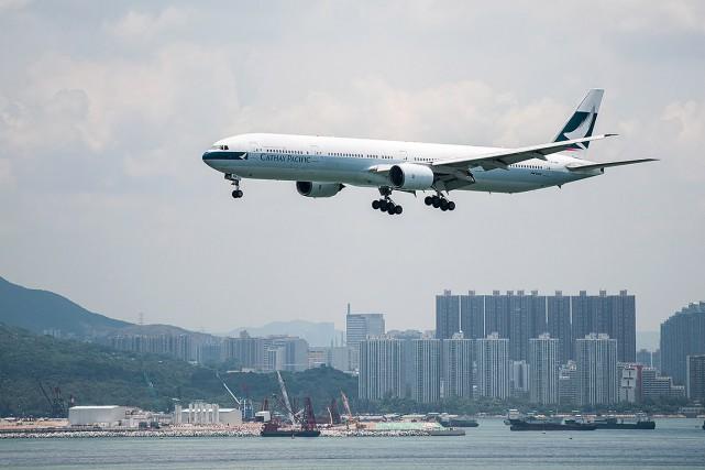 Sur cette photo, un avion approche l'aéroport de... (Xaume Olleros, archives Bloomberg)