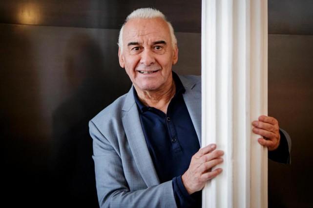 Au cours de sa Causerie musicale, Michel Fugain... (Photo Alain Roberge, Archives La Presse)