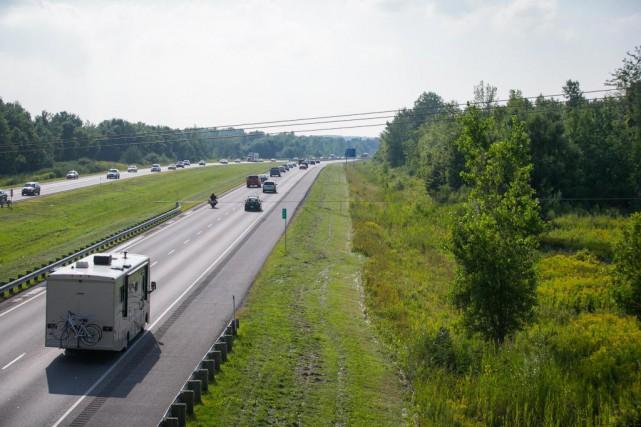 Les problèmes de congestion s'aggravent sur l'autoroute 30,... (PHOTO SIMON GIROUX, ARCHIVES LA PRESSE)