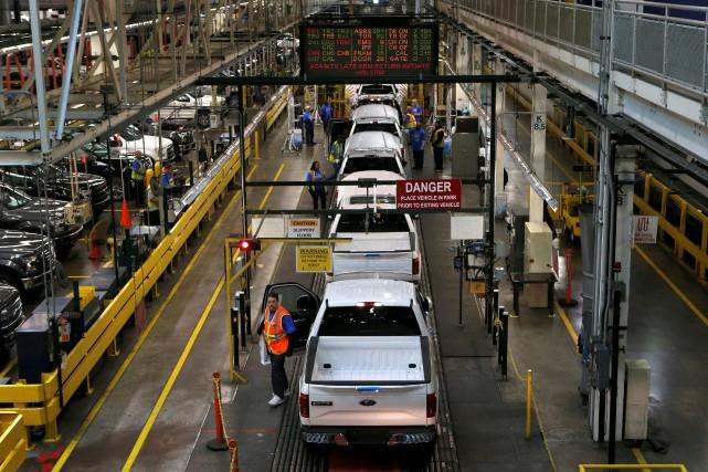 La chaîne de montage de l'usine Ford Rouge,... (PHOTO ARCHIVES REUTERS)