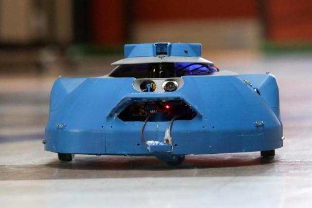 Le robot Umanx est une plateforme sensorielle mobile... (Photo Robert Skinner, La Presse)