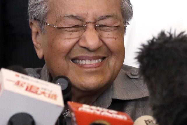 """Résultat de recherche d'images pour """"Malaisie : Mahathir Mohamad revient au pouvoir à 92 ans"""""""