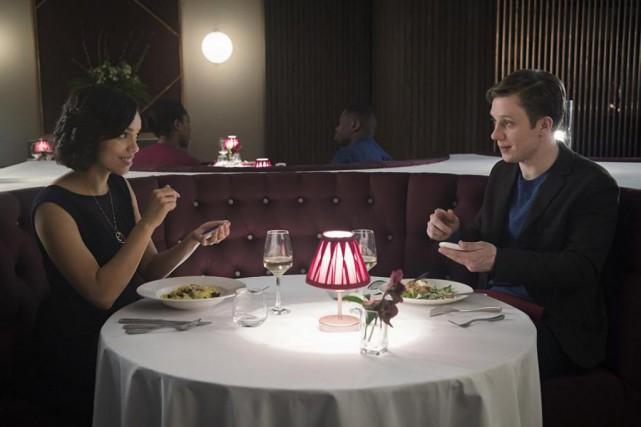 Georgina Campbell et Joe Cole dans l'épisode Hang... (Photo Jonathan Prime, fournie par Netflix)