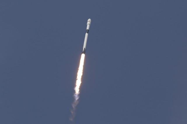 Une version améliorée de la fusée Falcon 9... (photo AP)