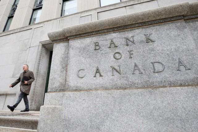 Plusieurs experts s'attendent à ce que la Banque... (Photo Chris Wattie, archives Reuters)