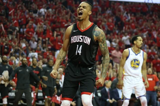 James Harden et Eric Gordon ont tous les deux inscrit 27 points et les Rockets... (PHOTO REUTERS)