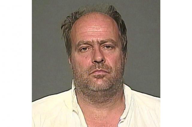 Guido Amselavait été arrêté et accusé après la...