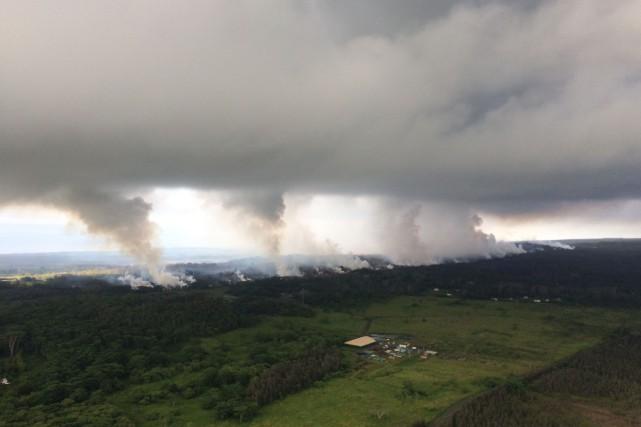 Le Kilauea est l'un des volcans les plus... (PHOTO AFP)