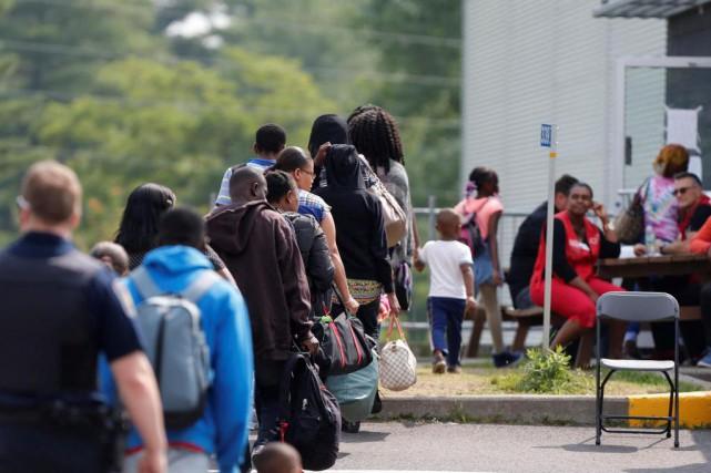 7612individus ont franchi la frontière canado-américaine de façon... (PHOTOCHRISTINNE MUSCHI, ARCHIVES REUTERS)