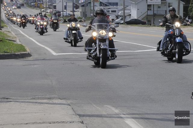 Une manifestation de motocyclistes à Alma, au Lac-Saint-Jean,... (Photo archives Le Quotidien)