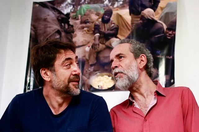 L'acteur Javier Bardem (à gauche), qui se revendique... (Photo AFP)