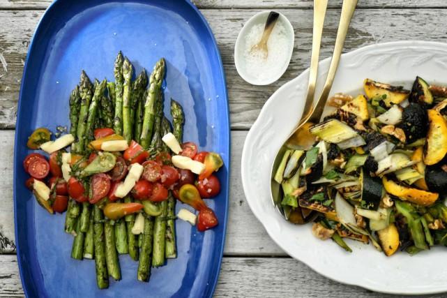 Deux salades faites avec légumes grillés sur le... (Photo Bernard Brault, La Presse)