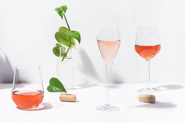 Rosé. À lui seul, le mot évoque les après-midis de détente, les conversations... (Photo : Rose-Marie Desneiges Magnan)