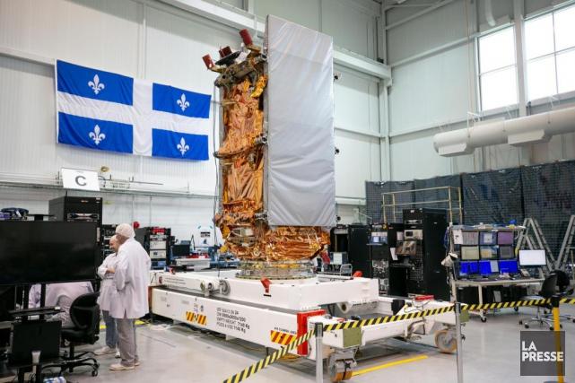 Les nouveaux satellites seront transportés en orbite en... (Photo David Boily, La Presse)
