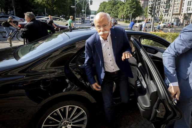 Le PDG de Mercedes-Benz et président du conseil... (AGENCE DPA, via AP)