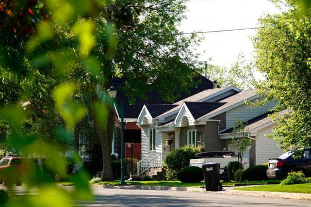 Avec ses maisons unifamiliales vendues au prix médian... (Photo Bernard Brault, La Presse)