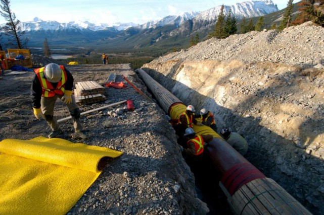 « Si Justin Trudeau s'est senti obligé de forcer... (PHOTO ARCHIVES REUTERS/KINDER MORGAN CANADA)