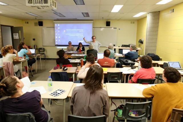 Les observateurs bénévoles qui documenteront le travail des... (Photo Robert Skinner, La Presse)