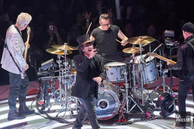 U2 demeure aujourd'hui un groupe généreux et pertinent... (Photo André Pichette, La Presse)