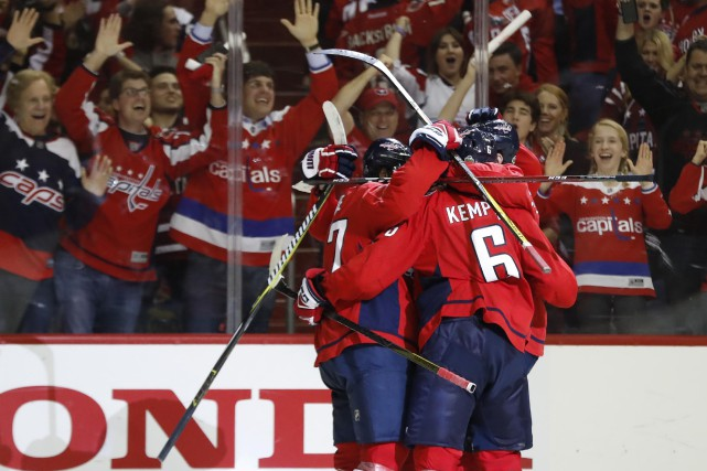 À une victoire de soulever la coupe Stanley, les Capitals de Washington... (PHOTO REUTERS)