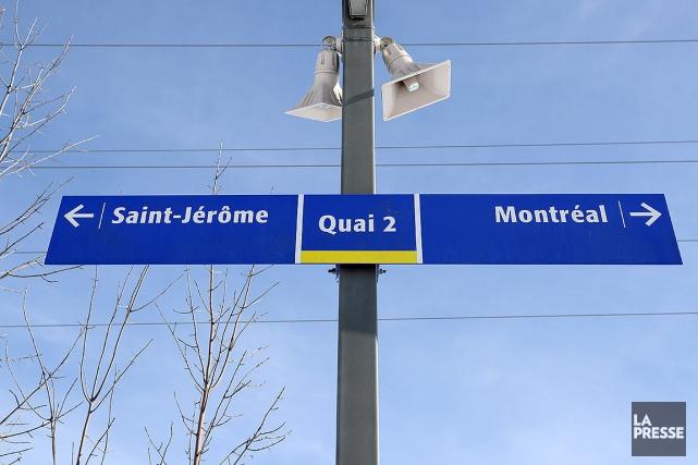 Le service de trains de banlieue reliant Saint-Jérôme à la gare... (Robert Skinner, archives La Presse)