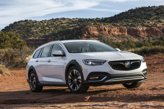 La Buick Regal TourX 2018 marque le retour... (Photo Buick)