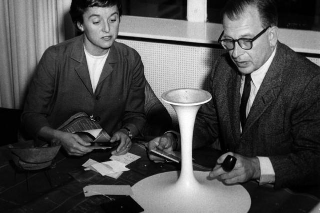 Florence Knoll, du fabricant américain Knoll, et Eero... (Photo fournie par le fabricant de la collection Pedestal)
