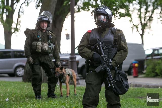 La Presserévélait ce matin qu'au moins deux policiers... (Photo Martin Tremblay, La Presse)