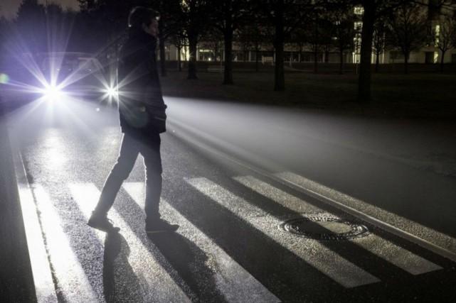 Les phares de la voiture de demain pourraient... (Photo Mercedes-Benz)