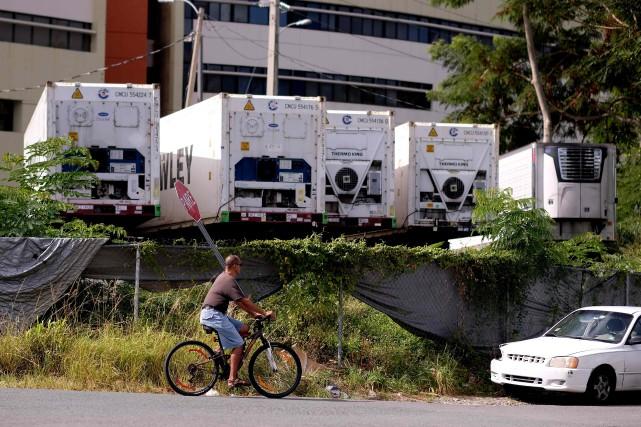 Une cinquantaine de corps ontont été entreposés dans... (PHOTO AFP)