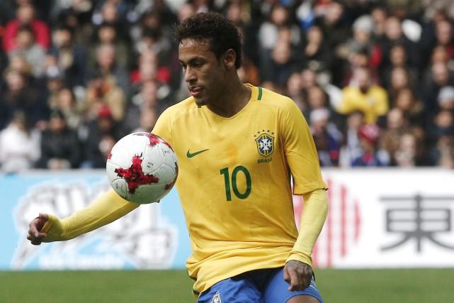 Neymar... (Photo Michel Spingler, archives AP)