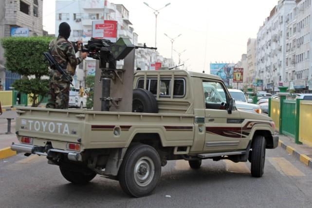 A Yemeni loyalist fighters, backed by Saudi Arabia... (Photo Saleh Al-Obeidi, Agence France-Presse)