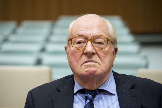 Jean-Marie Le Pen, qui a présidé le Front... (Photo John Thys, archives Agence France-Presse)