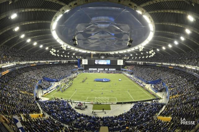 La FIFA privilégie les stades à ciel ouvert... (Photo Bernard Brault, archives La Presse)