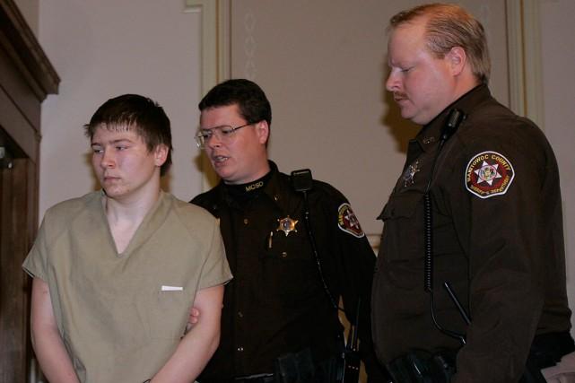 Brendan Dassey (à gauche) est condamné à la... (Photo archives AP)