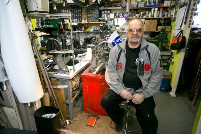 Pierre Durand, 72ans, cordonnier à Bécancour... (PHOTO FRANÇOIS ROY, LA PRESSE)