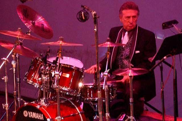 D.J. Fontana lors d'un spectacle en octobre 2004.... (Photo archives AP)