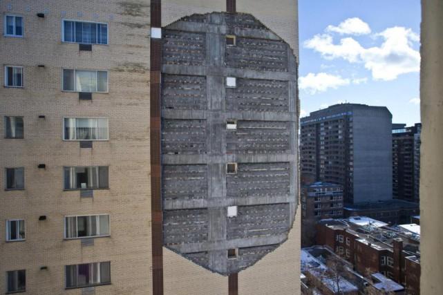 Un mur de brique fragilisé sur un immeuble... (Photo Patrick Sanfaçon, archives La Presse)