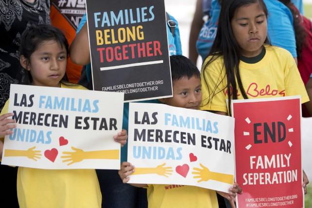 Près de 2000 enfants et adolescents ont été... (PHOTO AP)