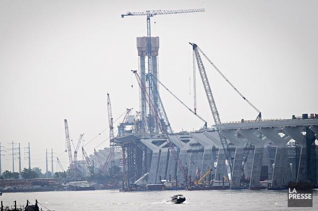 Le chantier du pont Champlain tournait au ralenti... (Patrick Sanfaçon, La Presse)